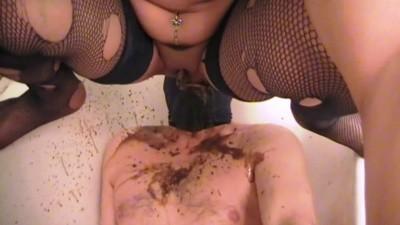 Mistress Anita - Diarrhea In Face In Bathtub