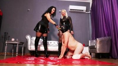 Mistress Luna And Johanna Piss Drinking Training