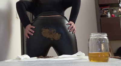Mistress Roberta - Fast Food Breakfast With Smeared Ecological Letaher Pants-Pov