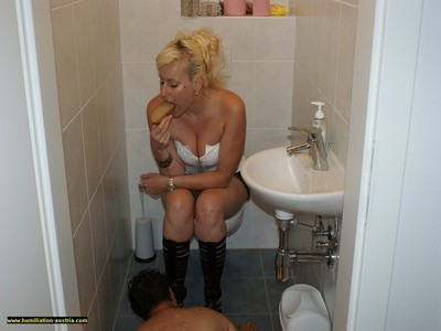 Toilette Humiliation  55