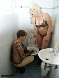 Toilette Humiliation  66